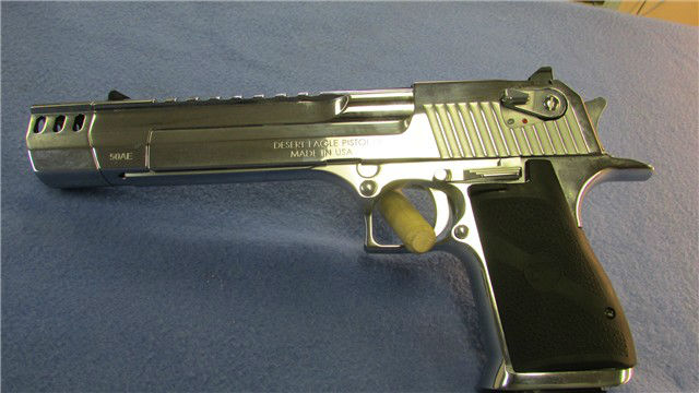 MAGNUM RESEARCH- DESERT EAGLE.3